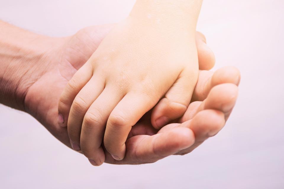 ¿Cómo fortalecer el desarrollo espiritual de nuestros hijos?
