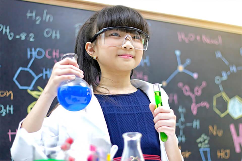 Hacer ciencia en la escuela I: Experimentos caseros y el enfoque indagatorio